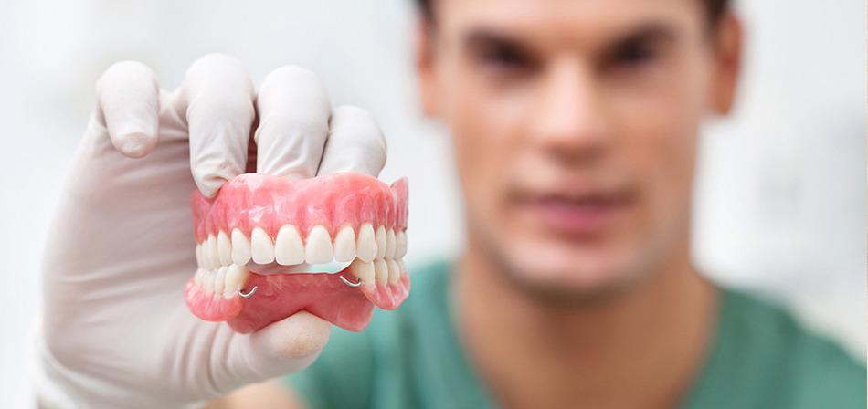 Имплантация зубов Симферополь